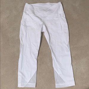 white cropped lulu lemon leggings